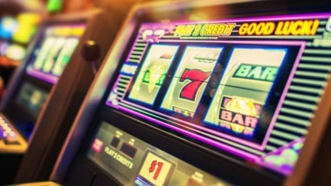 Is it possible to manipulate a slot machine?