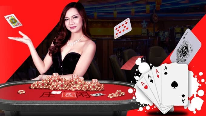 What is the difference between cash games and tournaments?