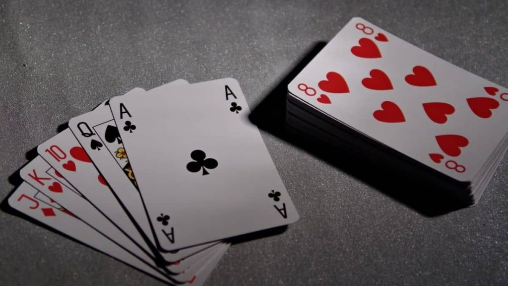 Does a flush beat a full house in Seven-card Poker?